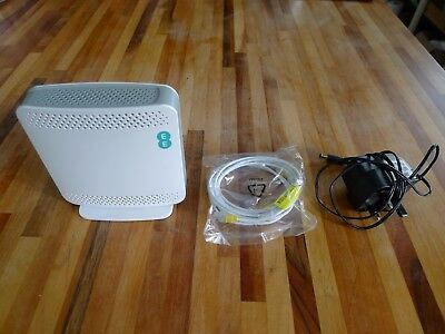 EE Cisco Residential Signal Box, Mobile Phone Booster / Assist, USC3331, Perfect