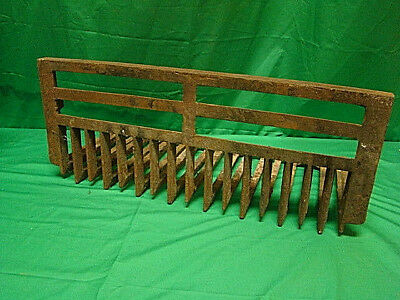 Vintage/Antique LATE 1800'S Cast Iron Fireplace Grate Insert Log Holder hf