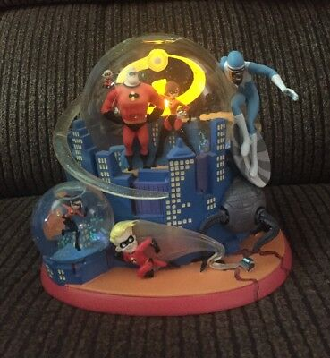Disney-Pixar-The Incredibles Snowglobe Lights Up New In The Box
