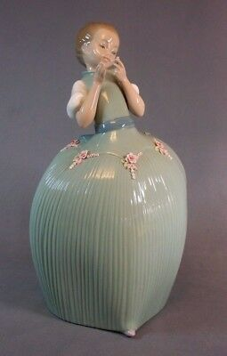 """Lladro Figure Young Girl Holding A Flower 10 1/2"""" Tall"""