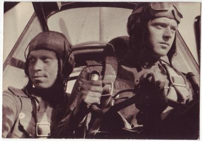 RUSSIAN WWII PRESS PHOTO: PILOTS OF 16th AIR ARMY IN AIRCRAFT CABIN, NAMES