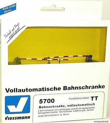 Railway Gate Fully Automatic Railroad Crossing Viessmann 5700 TT NIP HL3