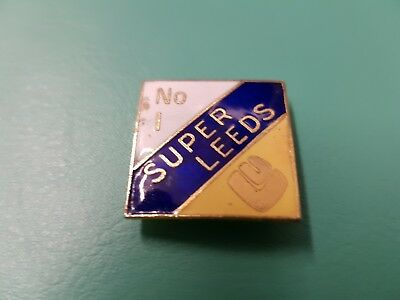 old vintage enamel leeds united football badge