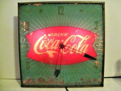 Coca Cola Vintage Green Fishtail Lighted Wall Clock For Parts/restore Works