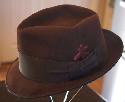 Vintage Mens Chocolate Brown Fedora Hat by Towncraft Size 7 1/8 w/ Taffeta Band