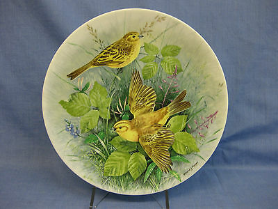 Royal Doulton 'Yellowhammer' Bone China Plate ~'Birds Of The Hedgerow'