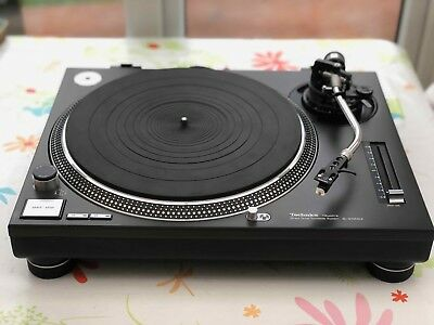 Technics SL-1210MK2 Turntable Immaculate condition