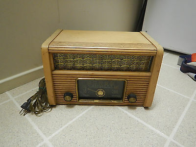 General Electric C105 Tube Radio For Parts or Restoration