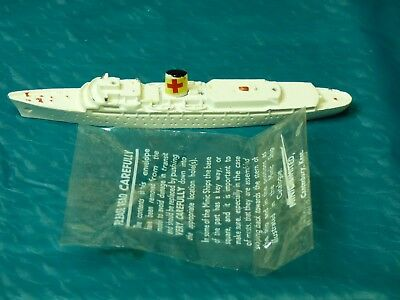 Vintage Triang Ships Minic M721 Royal yacht Britannia in Hospital ship livery