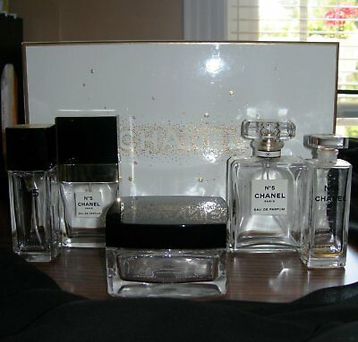 6 PIECE CHANEL No 5 VINTAGE BOTTLES AND CONTAINER COLLECTIBLES
