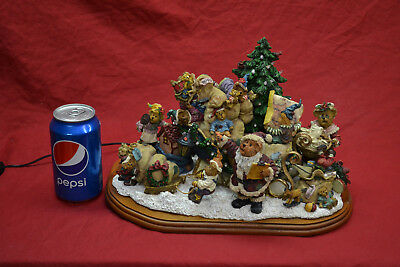 Danbury Mint  Boyd's Bears Christmas Sleigh Lighted Display