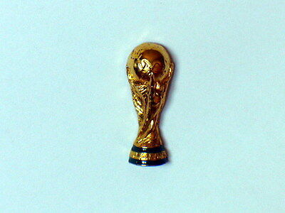 Pin's publicitaire  Coupe du  Monde Football  1998  Arthus Bertrand