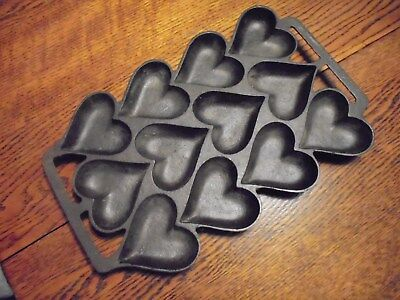 Vintage Unmarked Heart 12 Cup Cast Iron Muffin Pan