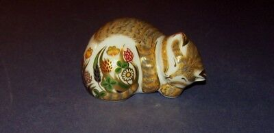 Royal Crown Derby Figurine Cottage Garden Kitten Paperweight