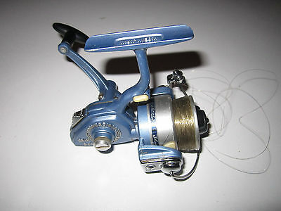 Shakespeare 2400 spinning course fishing reel very good condition