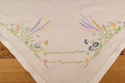 """VINTAGE IRISH LINEN TABLECLOTH Embroidered Flowers 41"""" Square #T35"""