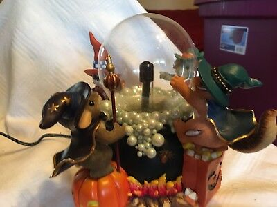 """Charming Tails """"SPOOKY BREW"""" DEAN GRIFF LIGHTS UP"""