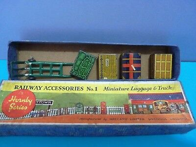 HORNBY 0 GAUGE. RAILWAY ACCESSORIES No 1. LUGGAGE & TRUCK. BOXED.