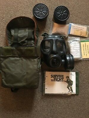 Vintage British Army S6 1973 Respirator With Case And Decontamination kit,grade1