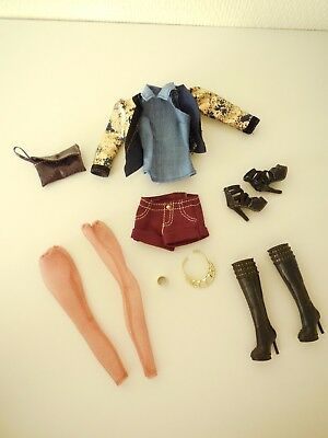Barbie styles Raquelle outfit