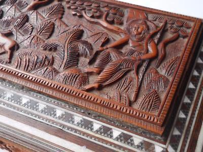 Lovely Antique Hand Carved Anglo Indian Sadeli Wooden Box Hunter Figure