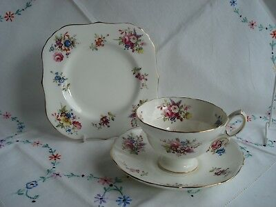 Lovely Hammersley Pattern Bone China Cabinet Cup Saucer and Plate