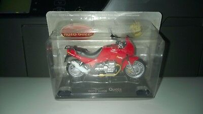 1/24 Die-Cast moto Guzzi Quota 1100 ES