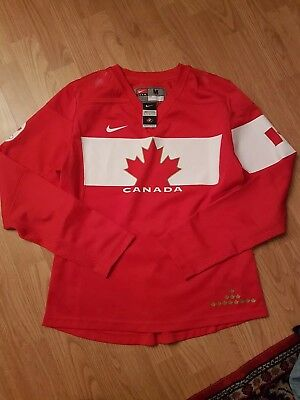 Official Nike Canada Ice Hockey Jersey from 2014 Winter Olympics