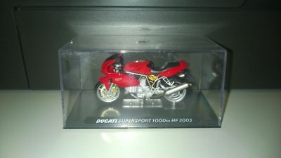 1/24 Die-Cast moto Ducati Supersport 1000ds HF 2003