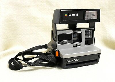 Polaroid Spirit 600 LMS Instant Land Camera Works. Tested with Films