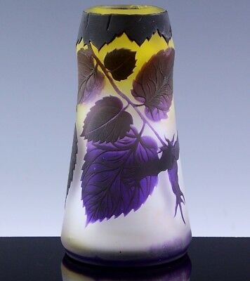 VERY FINE c1920 ART DECO SIGNED RICHARD LOETZ CAMEO CUT PURPLE LEAVES GLASS VASE