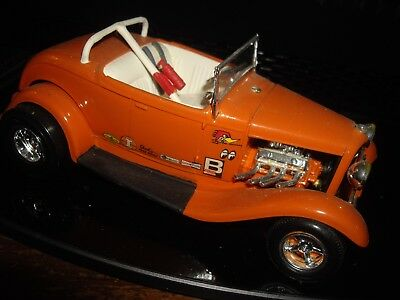 32 Deuce Orange full fendered HOT ROD 1/24  PRO built model car Star mags