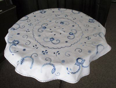 "VINTAGE ROUND TABLECLOTH DECORATED WITH HAND EMBROIDERY- 31""dia"
