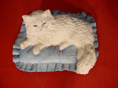 Border Fine Arts C1 Sophisticat Persian on Cushion A Cat Around the House 83-93