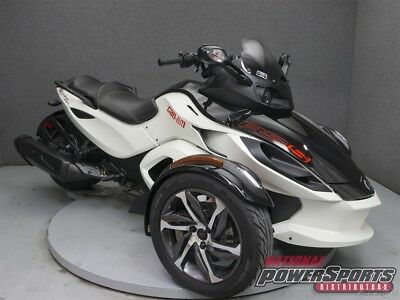 Can-Am Spyder  2014 Can-Am Spyder RSS SM5 Used FREE SHIPPING OVER $5000