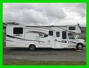 2014 Forest River Sunseeker 3100SS 32' Class C Ford V10 Gas Slide Out Generator