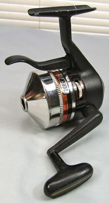 Zebco Omega 154 Silver Trigger Spin Spinning Reel, Closed Face Under the Rod EX!