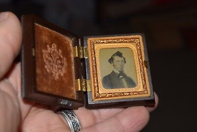Antique Daguerreotype Photo Photograph Tintype bakelite album frame man