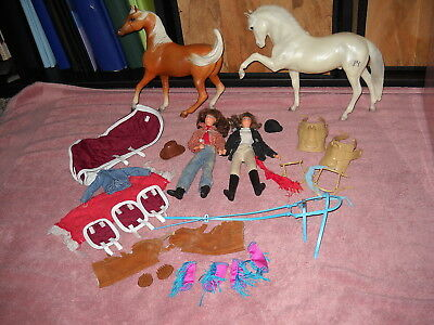 pair vintage BREYER  Horses figurines + riding dolls + accessories