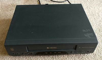 GE VG4030A VHS VCR Video Cassette Recorder Player 4 Head - Tested & Working