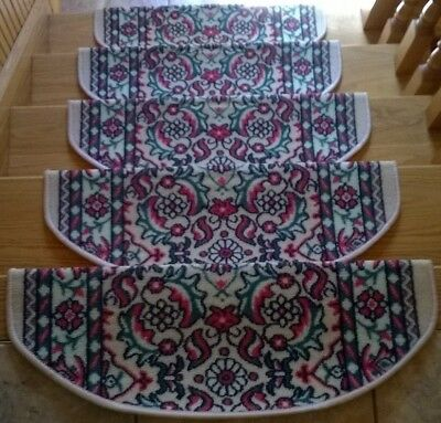 """PREMIUM Stair Tread Mats Runners Set of 15 Oval Edge Carpet Green Red Floral 26"""""""