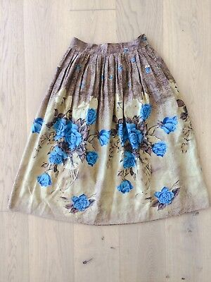 Vintage 1950s Blue Floral Rose Cotton Novelty Print Full Skirt
