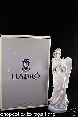 "Lladro Figurine #5949 ""C.h. Angel With Lyre"" - Mib"