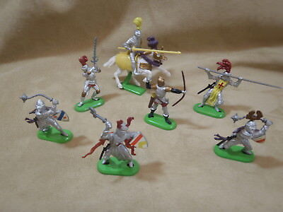 Britains 1/32 Medieval Knights set of 6 + mounted knight