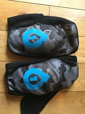 661 Knee Pads size Large