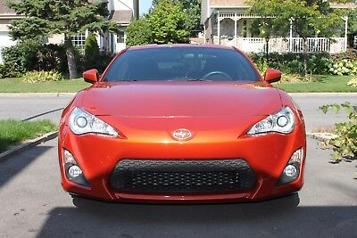 Scion: FR-S TOYOTA Almost new 2015 TOYOTA SCION FR-S with 20600 km. (13049 miles) only