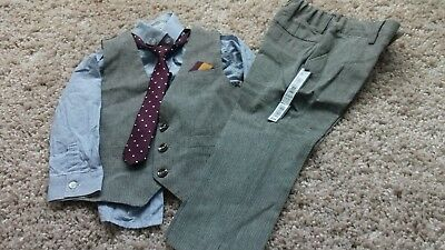 Boys New suit 4 piece age 2-3 years