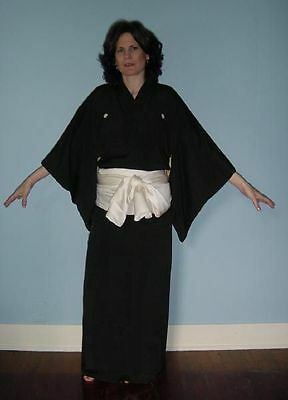 "Vintage Japanese Formal Kimono Robe Silk 5 Crests ""Black is Back & Beautiful"""