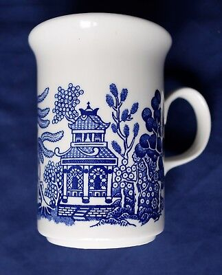 Vintage Churchill Willow Pattern Mug. Made In England. Excellent Condition