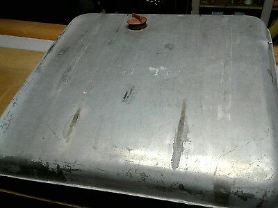 Piper 18 gallon fuel tank in good used condition